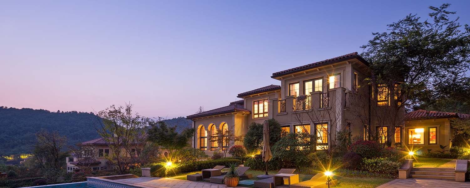 Mansion in the hills